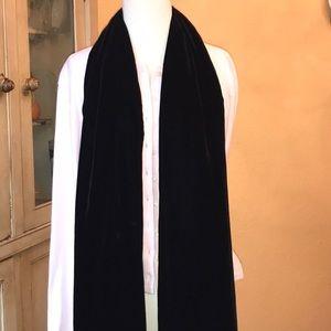 Ann Taylor scarf/Shawl velvet